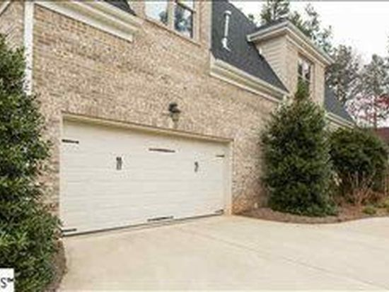 6 Graywood Ct, Simpsonville, SC 29680