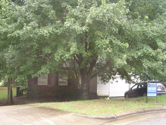 2725 Talbot Ct W, Raleigh, NC 27610