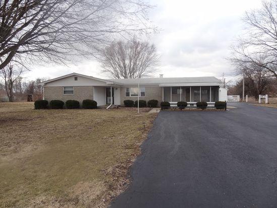 832 W Walser Rd, Shelbyville, IN 46176
