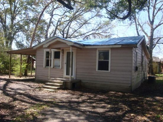 4501 Short Railroad St, Moss Point, MS 39563