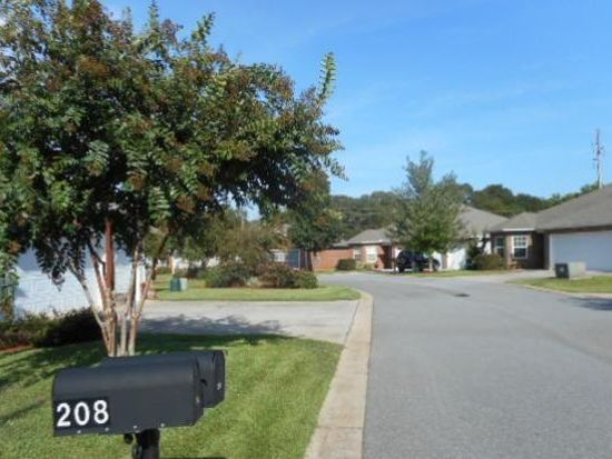 208 Pebble Beach Dr, Perry, GA 31069
