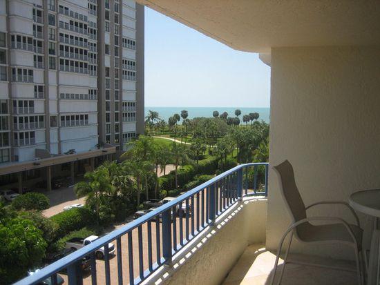 4451 Gulf Shore Blvd N APT 503, Naples, FL 34103