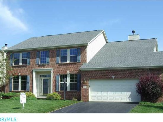 7661 Eagle Trace Dr, Westerville, OH 43082
