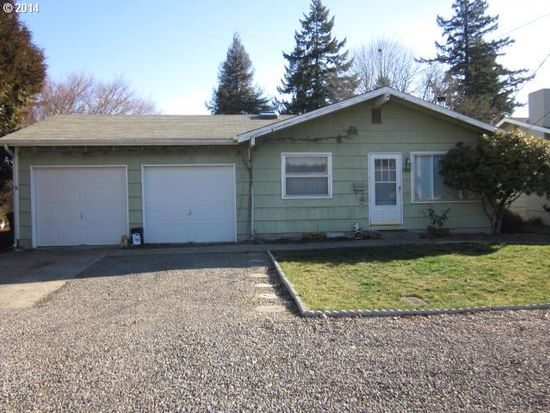 5890 Center St, Gladstone, OR 97027