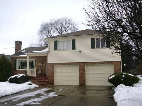 1404 Coventry Ct, Johnstown, PA 15905