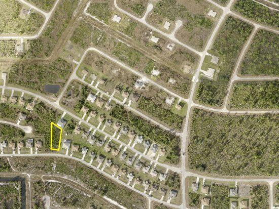430 Willowbrook Dr, Lehigh Acres, FL 33972