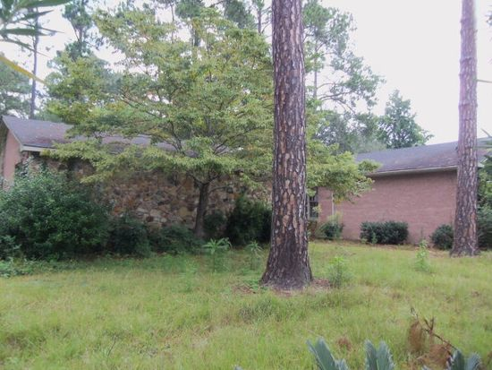 1352 4th St SW, Moultrie, GA 31768