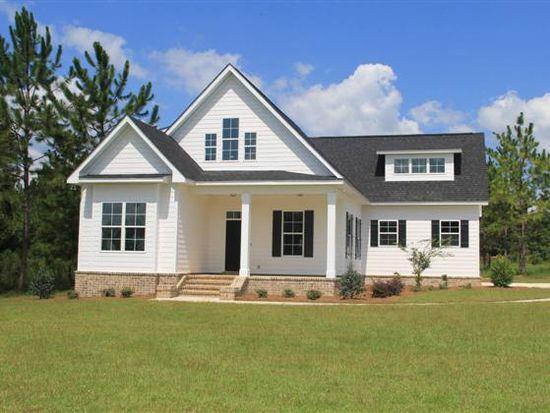 137 Sweetwater Dr, Thomasville, GA 31757