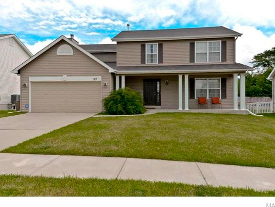 917 Stone Crossing Dr, Wentzville, MO 63385