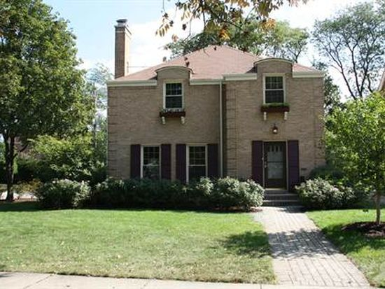 197 S Grace Ave, Elmhurst, IL 60126