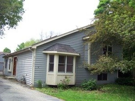 27W231 Manchester Rd, Winfield, IL 60190