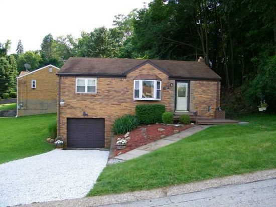 3380 Wallace Dr, Pittsburgh, PA 15227