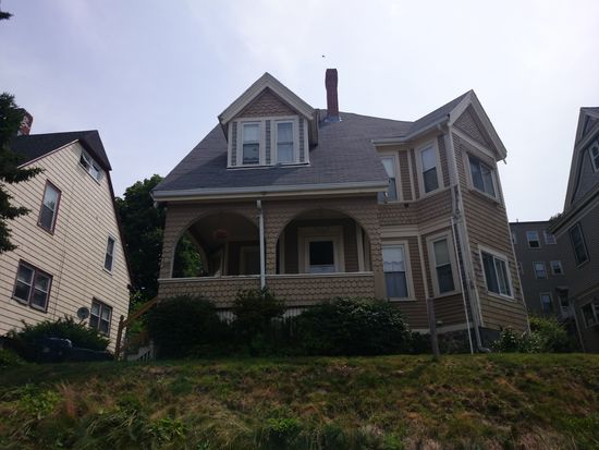 10 Ainsley St, Dorchester, MA 02122