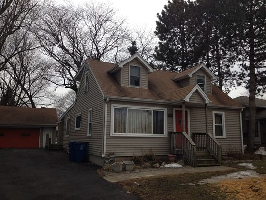3924 N Grant St, Westmont, IL 60559