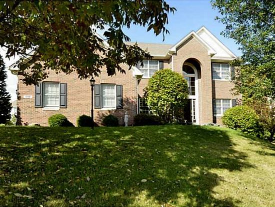 1302 Huntington Woods Rd, Zionsville, IN 46077
