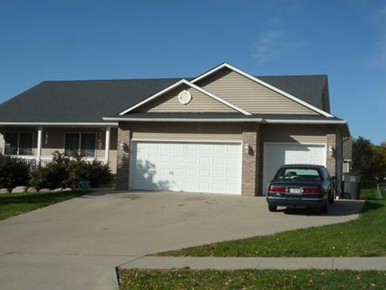 4118 Bayview Ct, Des Moines, IA 50320