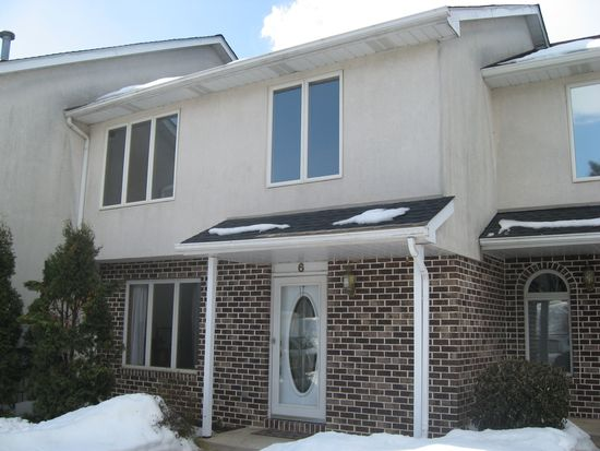 6 Chestnut Commons Ct, Easton, PA 18040