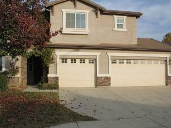 2417 Carson Ave, Clovis, CA 93611