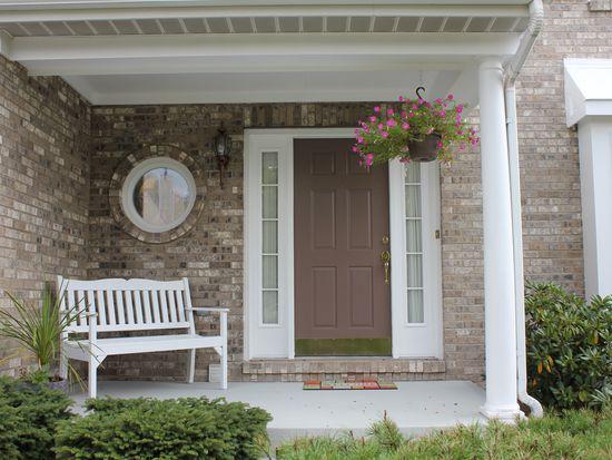402 Pin Oak Ct, Coraopolis, PA 15108