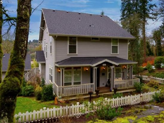407 5th Ave, Oregon City, OR 97045