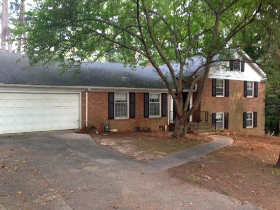 5429 Parkwood Dr, Raleigh, NC 27612