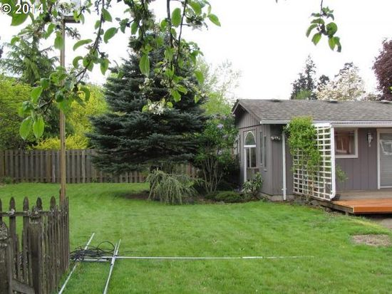 768 NW Baker Dr, Canby, OR 97013