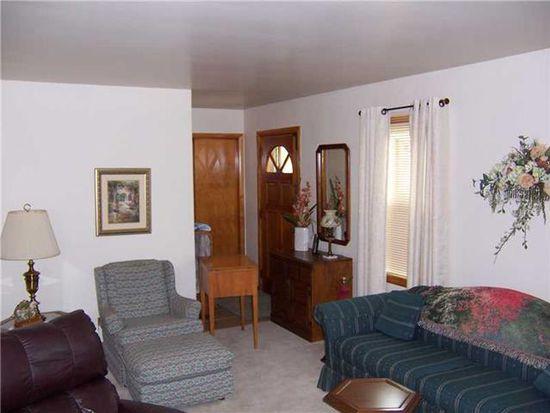 399 Lincoln St, Sharon, PA 16146