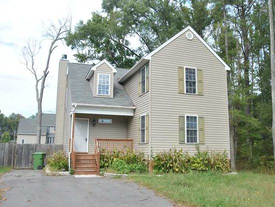 674 E Magnolia Ave, West Point, VA 23181
