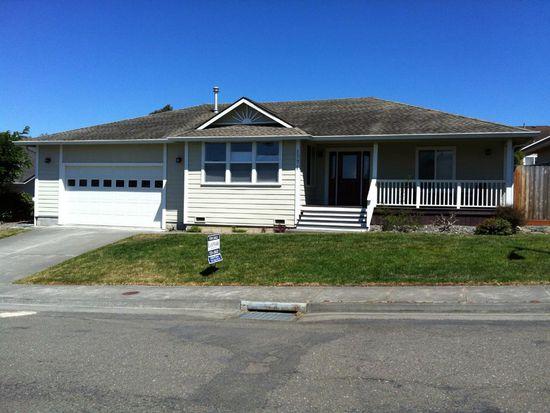 1771 Laurelwood Pl, Fortuna, CA 95540