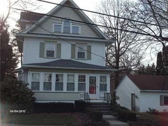 513 State St, Grove City, PA 16127