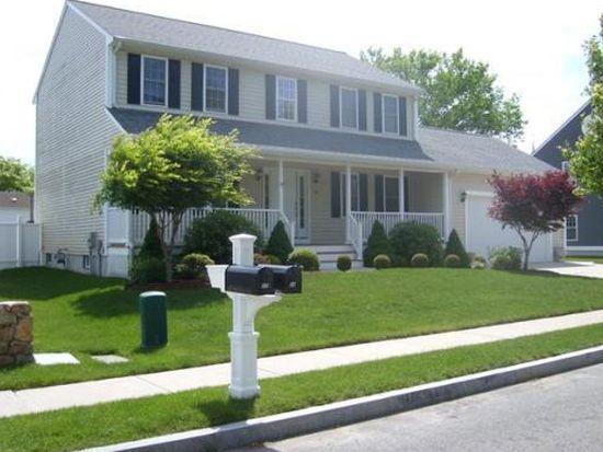 24 Charlotte St, New Bedford, MA 02740