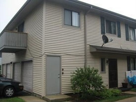 2S713 Winchester Cir E UNIT 4, Warrenville, IL 60555
