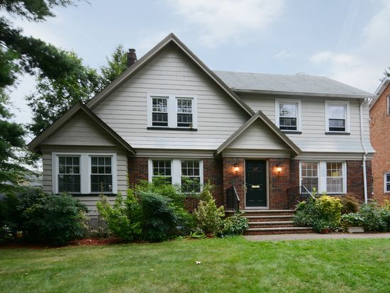 27 Burr Rd, Maplewood, NJ 07040
