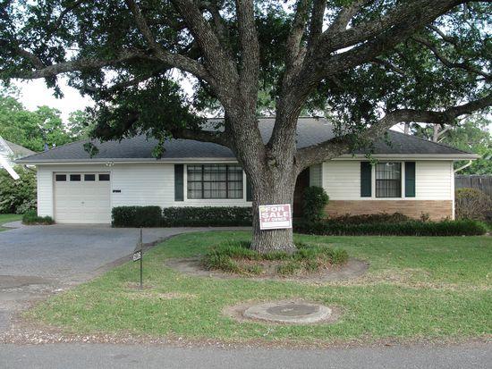 6126 Dave St, Groves, TX 77619