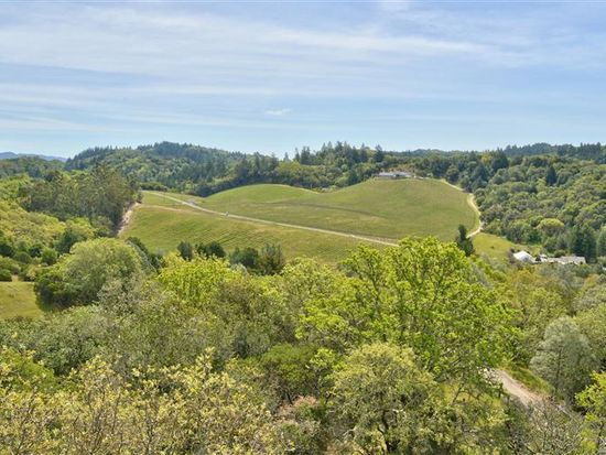 950 Canyon Rd, Geyserville, CA 95441