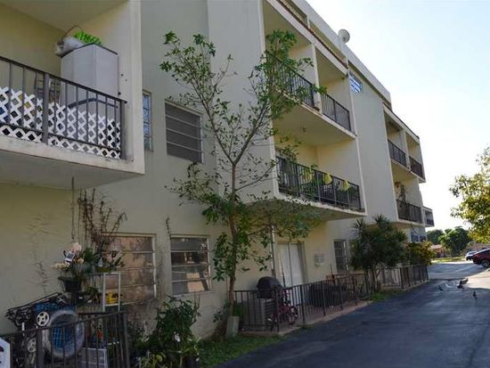 399 NW 72nd Ave APT 210, Miami, FL 33126