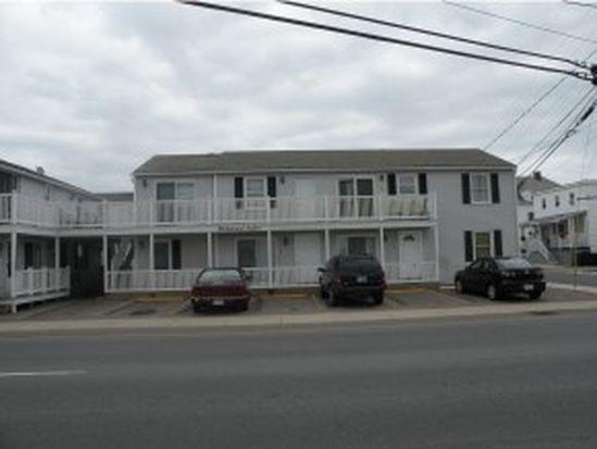 89 Ashworth Ave APT 5, Hampton, NH 03842