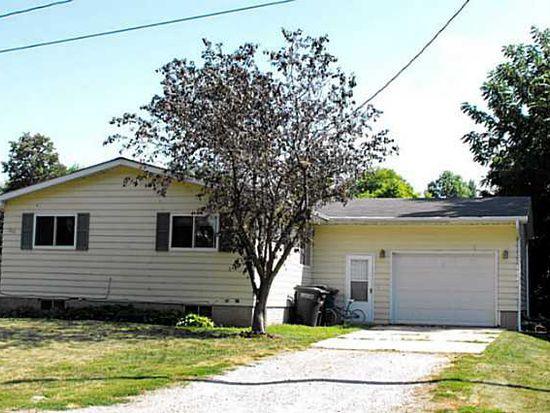 202 W 8th St, Prairie City, IA 50228