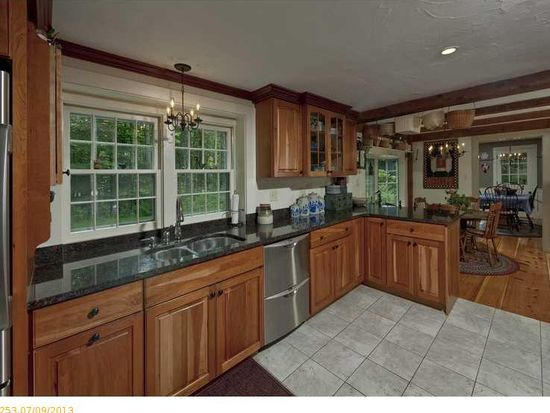 33 Russell Rd, Eliot, ME 03903