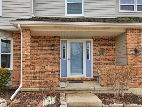 442 Sommerset Dr, Grayslake, IL 60030