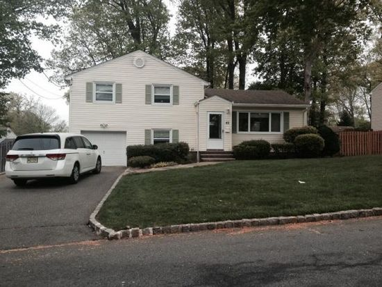 42 Cobblewood Rd, Livingston, NJ 07039