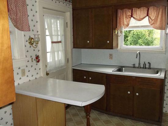 405 Ben Avon St, Meadville, PA 16335