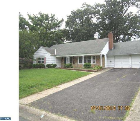 34 Crestview Dr, Willingboro, NJ 08046