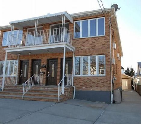 14122 249th St, Rosedale, NY 11422