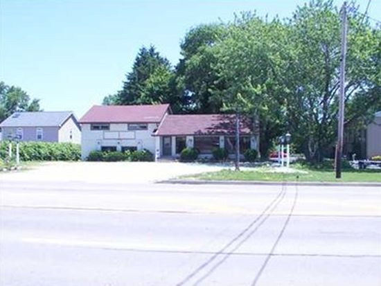 1321 Peninsula Dr, Erie, PA 16505