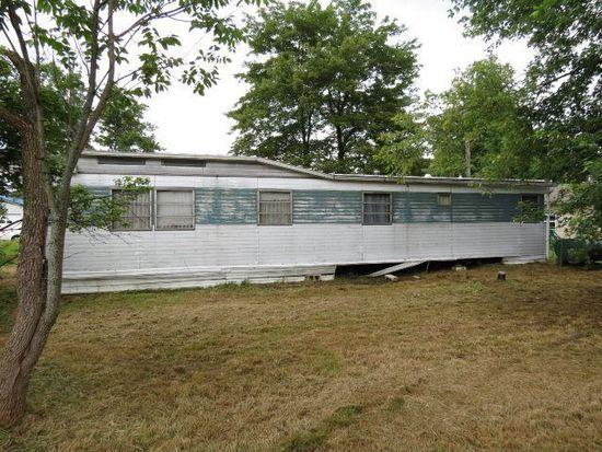 10383 Maple Ln, Conneaut Lake, PA 16316