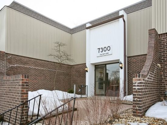 7300 Fairview Ave APT 205, Downers Grove, IL 60516