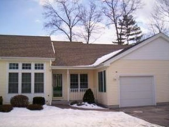 12 Lincoln Dr, Londonderry, NH 03053