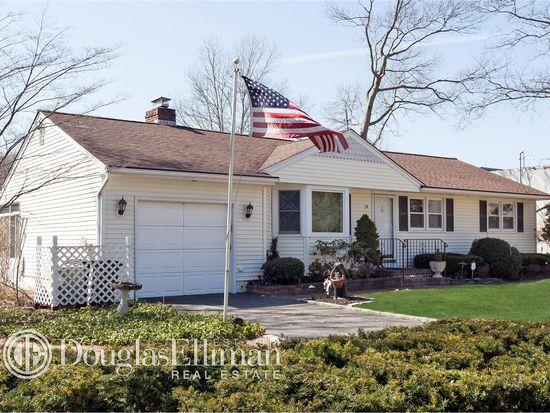 10 Murfield Pl, Melville, NY 11747