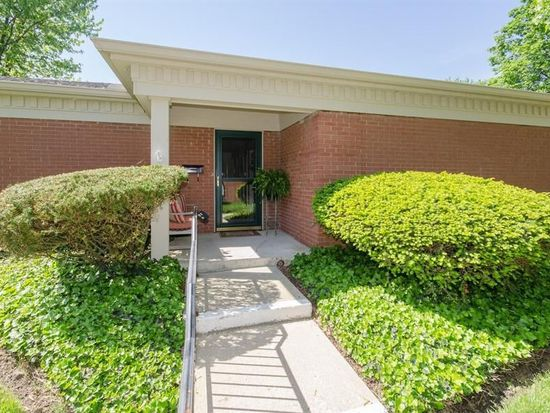 7422 King George Dr, Indianapolis, IN 46260